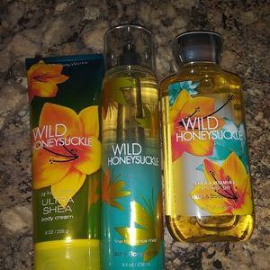Bath & Body Works set brand new wild honeysuckle